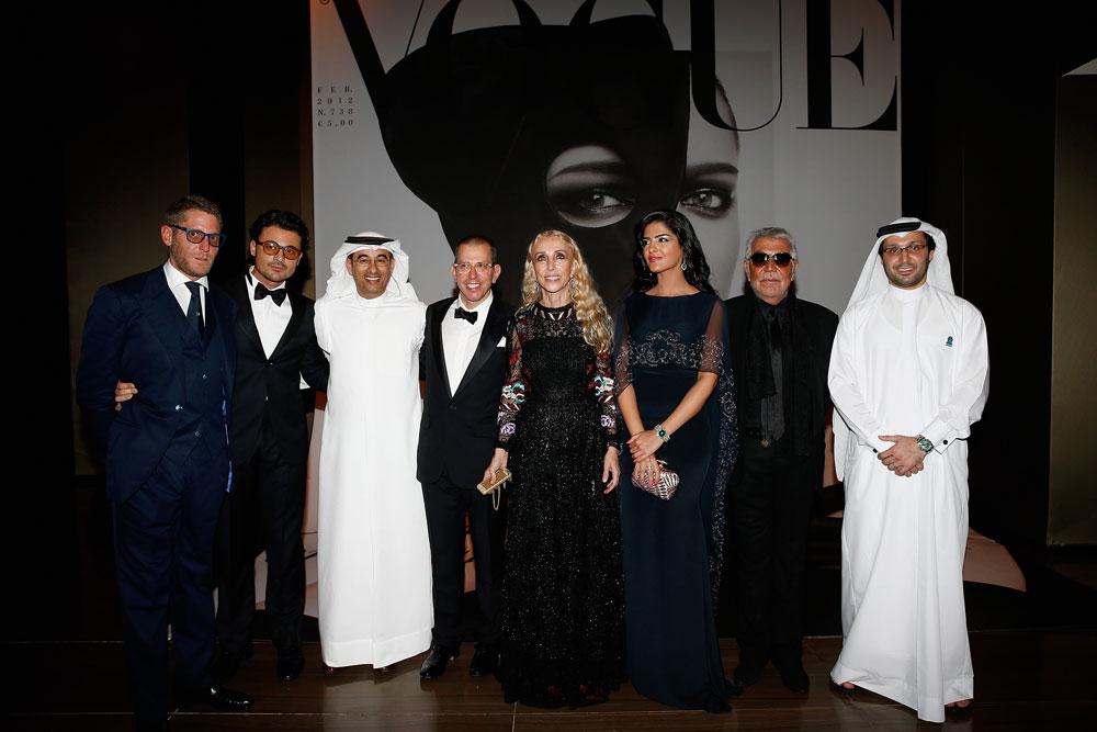 מזרח תיכון ומערב נפגשים. פרנקה סוזאני, רוברטו קוואלי ולאפו אלקן באירוע Vogue Fashion Dubai Experience  (צילום: gettyimages)