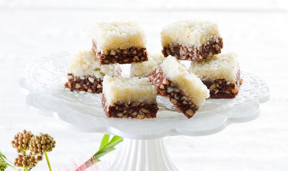 ריבועי שוקולד, בוטנים ושקדים (צילום: דני לרנר, סגנון: פסי ברניצקי)