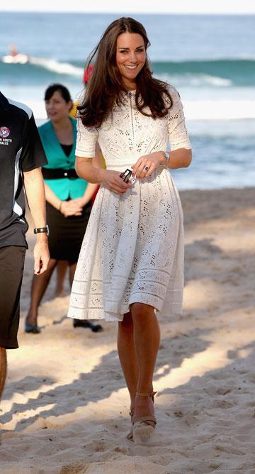 לשמלה צפוי עתיד מזהיר. מידלטון בתחרה לבנה (צילום: gettyimages)