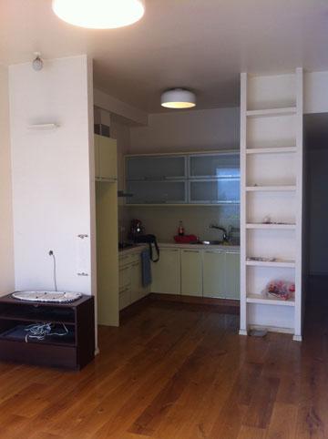 כך נראה המטבח לפני השיפוץ (צילום: ארז ברוכי)