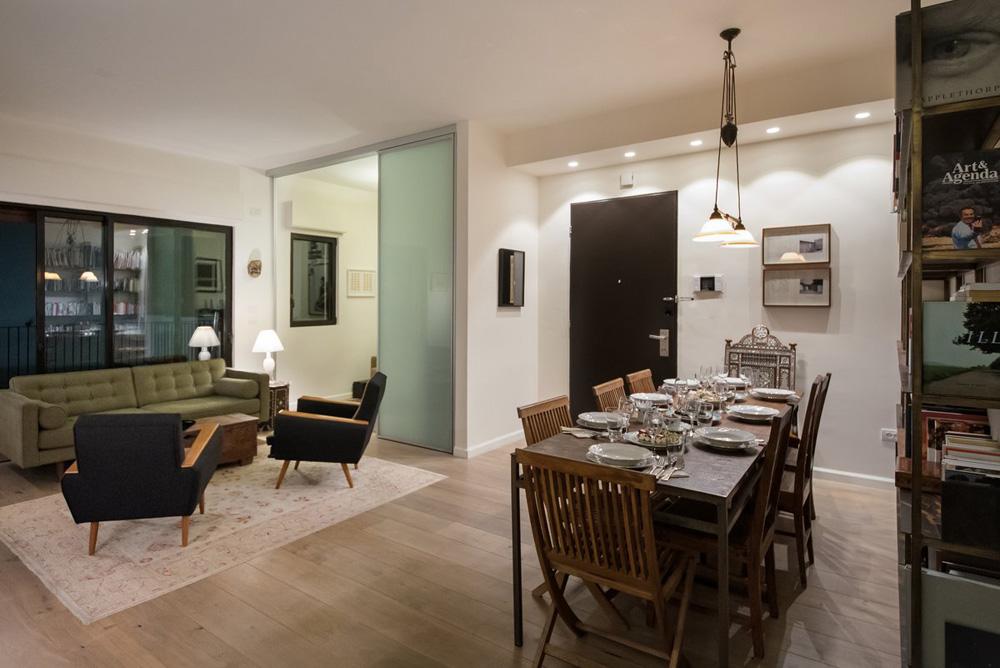 המיקום: דירת שלושה חדרים של מעצבת האופנה דורין פרנקפורט ובן זוגה מיקי קרצמן, צלם ואמן, בכיכר דיזנגוף בתל אביב (צילום: עמית גושר)