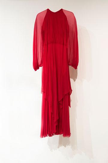 """שמלה בעיצוב לולה בר, מתוך """"1965 היום"""" (צילום: יאיר חובב)"""
