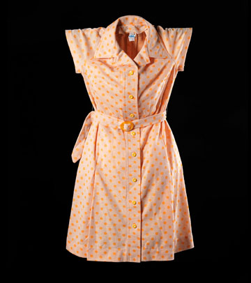 """שמלה של חברת אתא משנות ה-60, מתוך """"1965 היום"""" (באדיבות אוסף גיל פנטו)"""