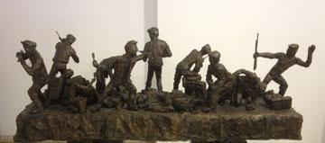 """פסל """"המרד"""" (שמואל ווילנברג – פסלים ותרשימים מוזיאון בית לוחמי הגטאות)"""