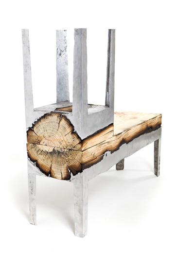 גזע שלם משמש לשני רהיטים