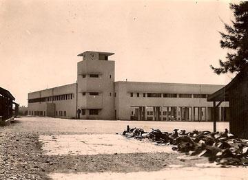 כך בנו אותה הבריטים: בית ספר לשוטרים. צילום מ-1943 (אוסף אדריכל גרשון צפור, ארכיון אדריכלות ישראל)
