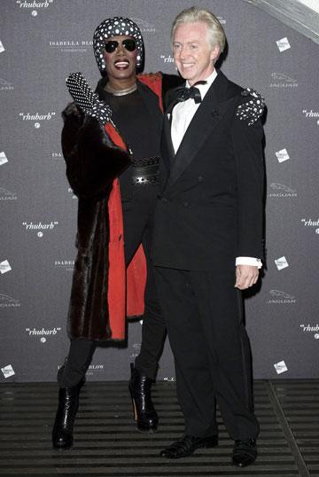 """""""אופנה היא עניין של שינוי ולכן היא כל הזמן משתנה"""". טרייסי וגרייס ג'ונס (צילום: rex/asap creative)"""