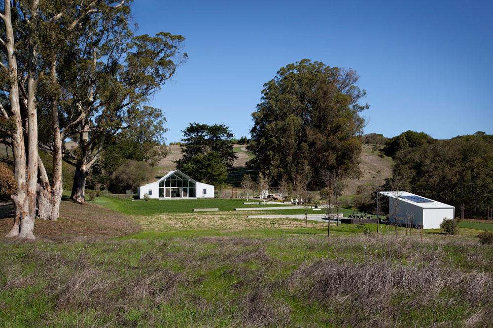 מבט כללי על השטח. דגש הושם על תכנון בר קיימא: הבית נבנה לפי תקנים של חיסכון מירבי באנרגיה ושימוש באנרגיה סולארית (צילום: David Wakely)