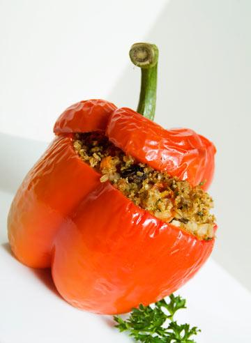 אפשר לשלב בכל מתכון שדורש בישול ארוך. פלפל ממולא בגריסים (צילום: thinkstock)