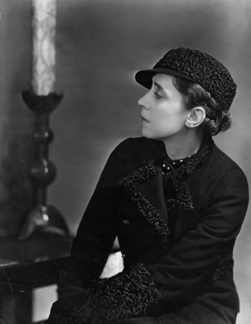 אלזה סקיאפרלי, 1935. התייחסה לבגדים כאל יצירת אמנות (צילום: gettyimages)