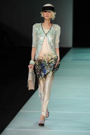 אמפוריו ארמאני, תצוגת אביב-קיץ 2012. לחנות החדשה יגיע הקו Armani Collezioni  (צילום: מארק פישר)