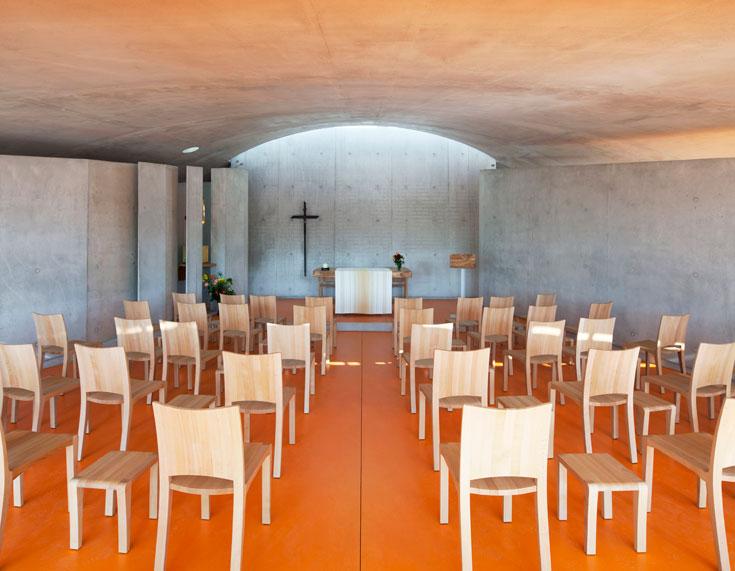 בתוך המנזר החדש (צילום: ph. Michel Denance)