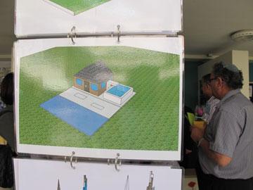 תערוכת מודלים של תלמידים בבית הספר (צילום: מיכאל יעקובסון)