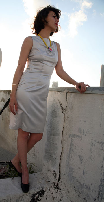 שמלה שעיצבה רוני במסגרת הקורס (צילום: כלנית גרינברג)
