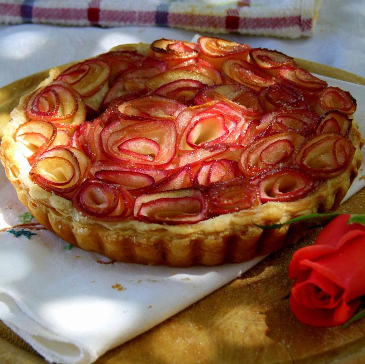 עוגת זר תפוחים. רעיון של שף עם שלושה כוכבי מישלן (צילום: מרילין איילון)