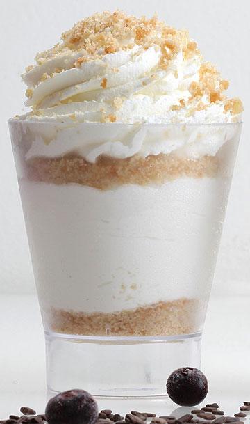 עוגת גבינה בכוס עם פירורים (צילום: תומר יקותיאל)