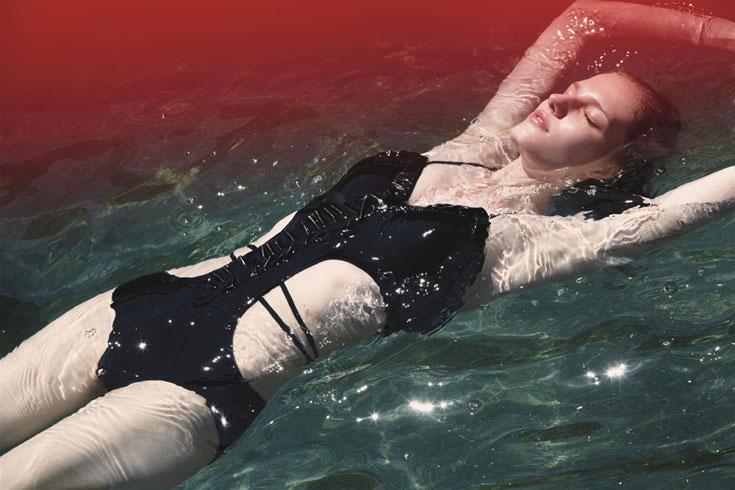 בגד ים מקולקציית קיץ 2012 של סטלה מקרטני לאדידס. קלאסי ומתוחכם