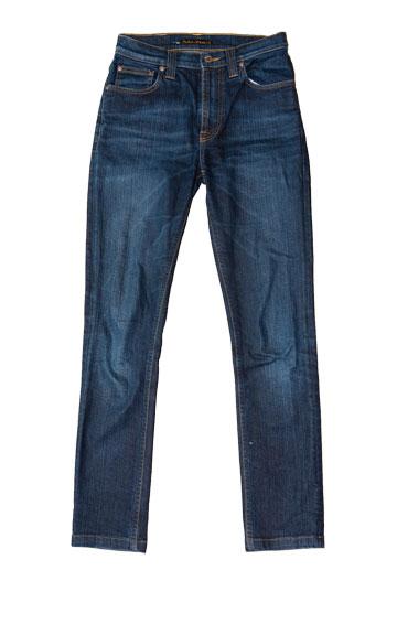 מכנסי ג'ינס של חברת האופנה השבדית Nudie. ''גיליתי שהדבר הכי חשוב במכנסי ג'ינס זה גודל הכיסים והמיקום שלהם'' (צילום: ענבל מרמרי)