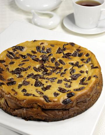 עוגת גבינה ואגוזי פקאן (צילום: קדם צלמים)