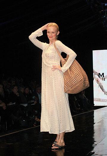 התצוגה של טובה'לה בשבוע האופנה תל אביב, 2011 (צילום: עמי סיאנו)