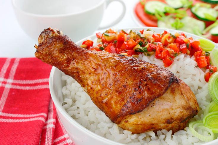 עוף בתנור עם פפריקה ושום (צילום: thinkstock)