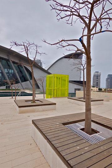 המבנה תוחם את כיכר התרבות (צילום: איתי סיקולסקי)