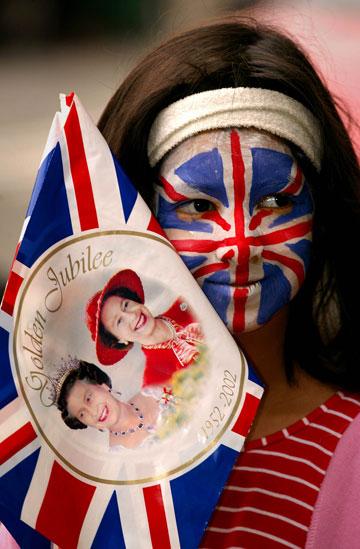 חוגגים 60 שנה להכתרת המלכה, בצבעי הדגל (צילום: gettyimages)