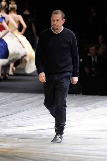 אלכסנדר מקווין. הביא קול חדש לעולם האופנה (צילום: gettyimages)