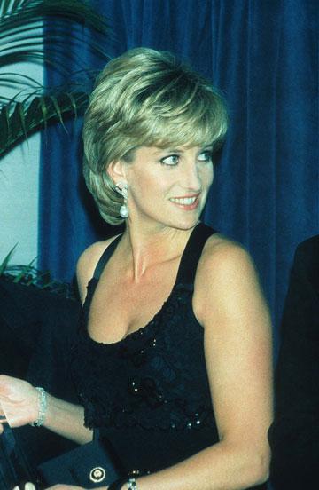 הנסיכה דיאנה, 1995. הפכה את בית המלוכה להיכל אופנה (צילום: gettyimages)