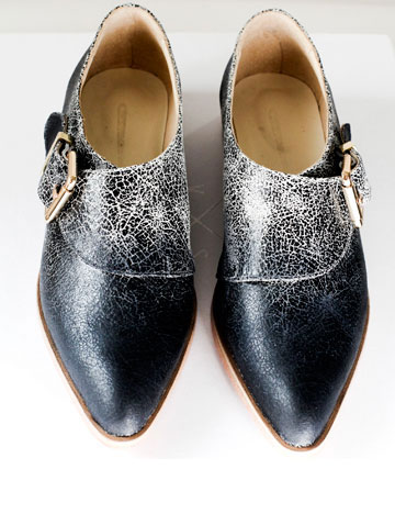 מתאימות לכל עונות השנה. נעליים של VAS (צילום: מירב בן לולו)