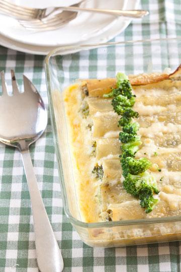 קנלוני גבינות עם ברוקולי (צילום: כפיר חרבי)