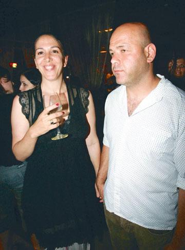 בלבן עם בעלה יואב סיני (צילום: רפי דלויה)