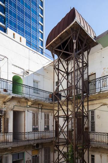 המעלית הראשונה של תל אביב (צילום:טל ניסים)