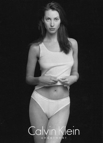 """כריסטי טרלינגטון בקמפיין הלבשה תחתונה של קלווין קליין, 1996. """"חלק גדול מחיי"""""""