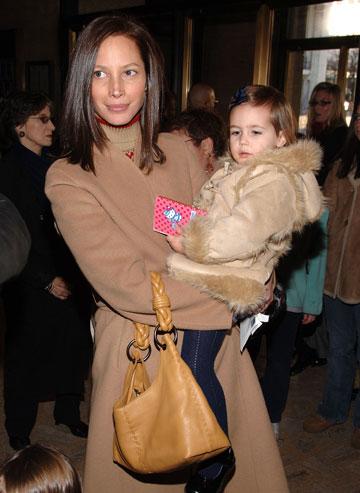 טרלינגטון עם בנה, 2006. פחות זוהרת , יותר נגישה (צילום: gettyimages)