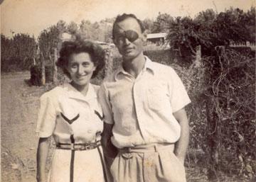 רות ומשה דיין בצעירותם (צילום רפרודוקציה: טלי שני)