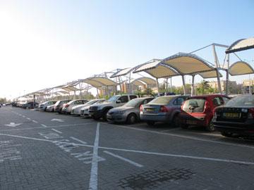 טעות אורבנית: מעודדים כלי רכב במקום תחבורה ציבורית (צילום: מיכאל יעקובסון)