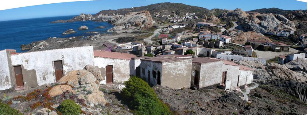 לפני: 430 מבנים כפריים איכלסו את ''קלאב מד'' בקטלוניה, קרוב מאוד לגבול צרפת (באדיבות EMF)
