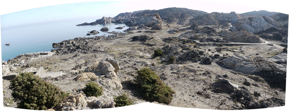 אחרי, אותו מקום ממש: את מקום הקירות והאספלט חזרו לתפוס הסלעים, השיחים ובעלי החיים (באדיבות EMF)