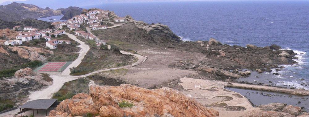 לפני: אתר התיירות שיווה לעצמו מראה של כפר ים-תיכוני קטן, עם מגרשי טניס ומעגן סירות ושאר מתקני נופש (באדיבות EMF)