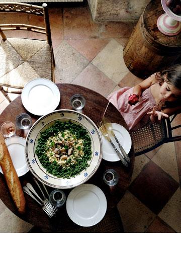 שדרוג למנה המוכרת. סלט טונה עם מנטה ושעועית ירוקה (צילום: Oddur Thorisson)