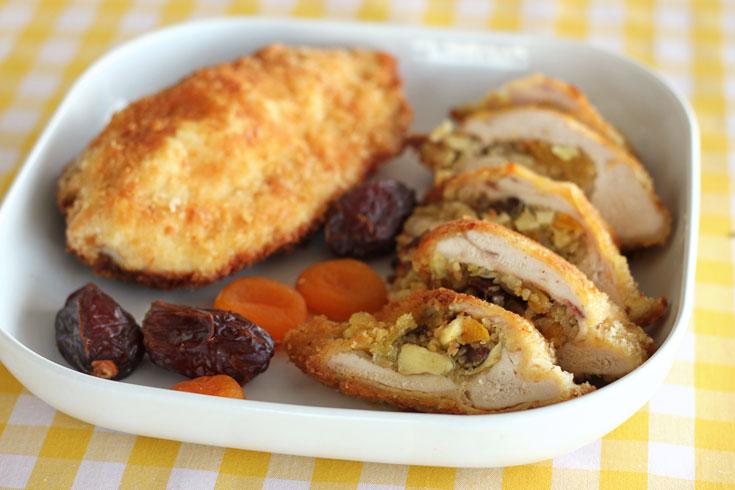 חזה עוף ממולא בבורגול ובפירות יבשים (צילום: אסנת לסטר)