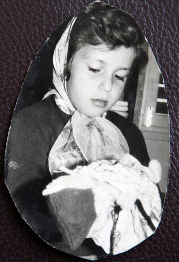 עדה בגיל 5 (מתוך אלבום משפחתי)