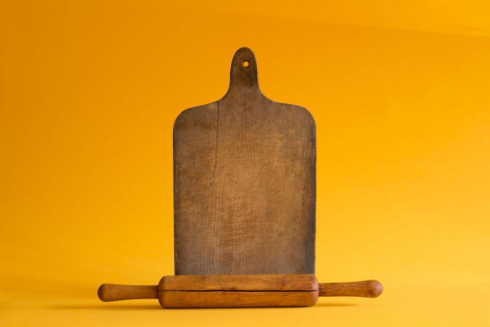 מקטן עד גדול בעבודת יד: מקרש החיתוך והמערוך ועד ארונות המטבח (צילום: גדעון לוין)