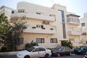 הבניין ברחוב תל חי פינת שלמה המלך נבנה ב-1934 (צילום: יונתן בלום)