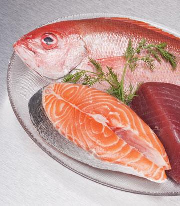 התזונה היפנית עשירה בדגים ומזונות ימיים ובאוגמה 3, שמאריכה את תוחלת החיים (צילום: thinkstock)