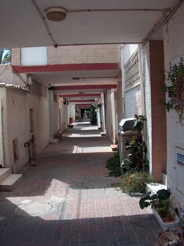 המשעולים בשכונה ה' בבאר שבע. שכונה מבוקשת גם היום (צילום: מיכאל יעקובסון)