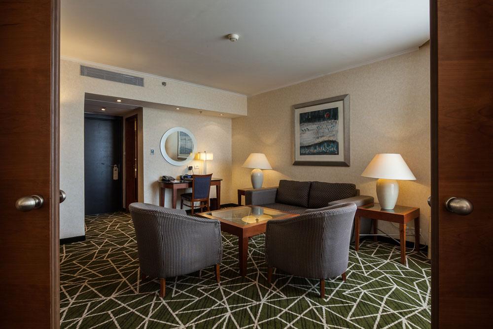 אחרי השיפוץ, המלון ערוך להמשיך ולקרוץ לקהל היהודי ששמר לו אמונים כל השנים, וכעת עלול לברוח לבתי המלון החדישים באזור. המחיר ללילה מתחיל ב-1,700 שקלים לחדר בסוף שבוע (צילום: טל ניסים)