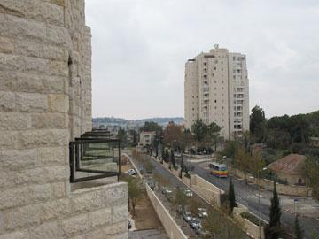 הבניין של דן איתן (צילום: מיכאל יעקובסון)