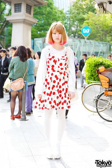יפן ידועה בתשוקה שלה ושל בניה השיקיים לרכישת פריטים מהמערב האופנתי דוגמת שאנל, ברברי, מולברי ולואי ויטון (באדיבות tokyofashion.com)